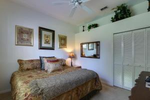 Peaceful Palms, Holiday homes  Naples - big - 16