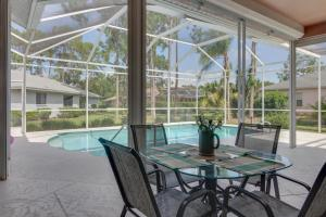 Peaceful Palms, Holiday homes  Naples - big - 8