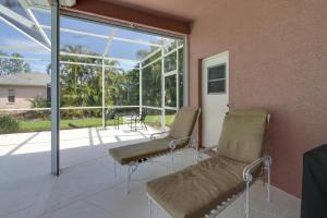 Peaceful Palms, Holiday homes  Naples - big - 5