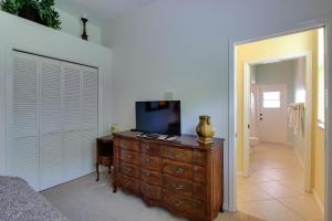 Peaceful Palms, Holiday homes  Naples - big - 7
