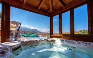 Prenota Hotel Ristorante Borgo La Tana