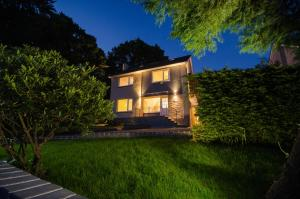 Contlaw Road House