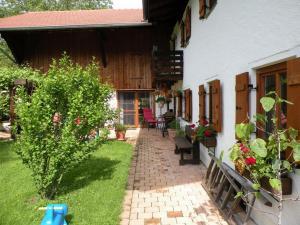 Haus Perlgut, Apartments  Rottau - big - 2