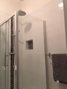 Newly Renovated City Centre Pad for up to 4 People, Apartments  Dublin - big - 5