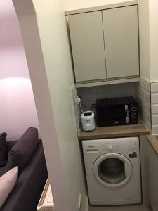 Newly Renovated City Centre Pad for up to 4 People, Apartments  Dublin - big - 2