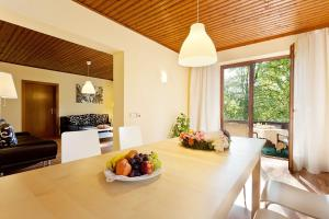 Promenaden-Strandhotel Marolt, Hotely  Sankt Kanzian - big - 17