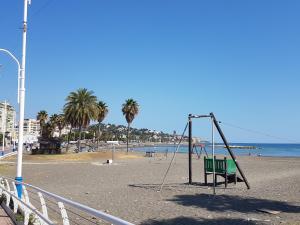 TocToc Pedregalejo Beach Apartment, Appartamenti  Málaga - big - 5