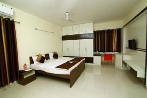 Prime Hitech, Hotels  Hyderabad - big - 17