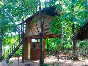 Angry Birds Tree house, Homestays  Habarana - big - 30