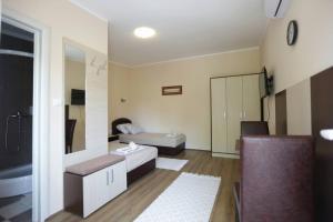Sobe Kod Domacina, Hostels  Zrenjanin - big - 1