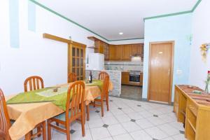 Apartment Brela 6056d