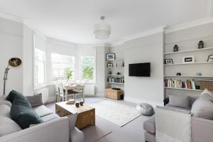 Amazing 2BR flat in the very heart of London!