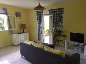 Le Gite Des Orquidees, Holiday homes  Bazin - big - 1
