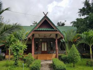 Ploy Pailin Resort