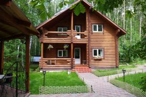 Cottage in Medvezhye Ozyora
