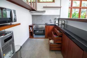 Grand Suite in Villa Khaleesi, Bed and Breakfasts  Seminyak - big - 53