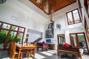 Grand Suite in Villa Khaleesi, Bed and Breakfasts  Seminyak - big - 48