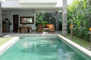 Grand Suite in Villa Khaleesi, Bed and Breakfasts  Seminyak - big - 43
