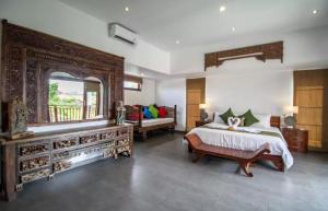 Grand Suite in Villa Khaleesi, Bed and Breakfasts  Seminyak - big - 2