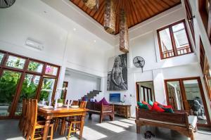 Grand Suite in Villa Khaleesi, Bed and Breakfasts  Seminyak - big - 39