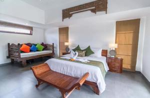 Grand Suite in Villa Khaleesi, Bed and Breakfasts  Seminyak - big - 4