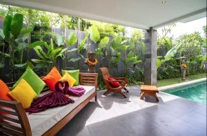 Grand Suite in Villa Khaleesi, Bed and Breakfasts  Seminyak - big - 29