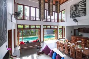Grand Suite in Villa Khaleesi, Bed and Breakfasts  Seminyak - big - 19