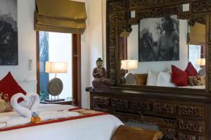 Grand Suite in Villa Khaleesi, Bed and Breakfasts  Seminyak - big - 12