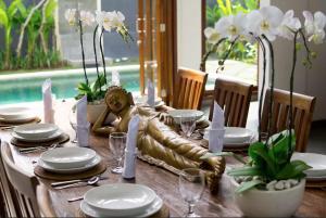Grand Suite in Villa Khaleesi, Bed and Breakfasts  Seminyak - big - 18