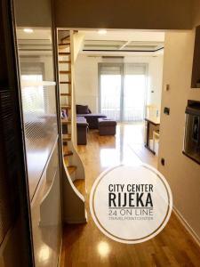 Travelpointcentar Fiume 1, Апартаменты  Риека - big - 17