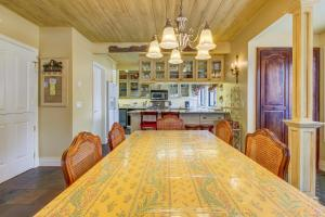 French Country Villager Condo, Holiday homes  Sun Valley - big - 6