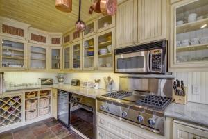 French Country Villager Condo, Holiday homes  Sun Valley - big - 18