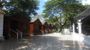 Satraco Royal Hotel