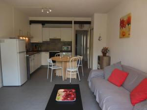 Apartment Les Catalanes du Golf.18, Apartmanok  Saint-Cyprien - big - 7