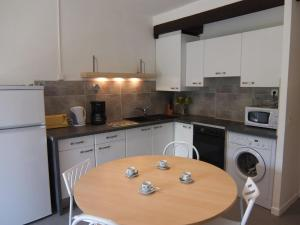 Apartment Les Catalanes du Golf.18, Apartmanok  Saint-Cyprien - big - 6