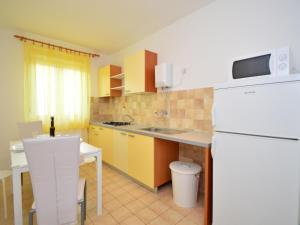 Apartment Ivka.1, Apartmány  Tribunj - big - 7