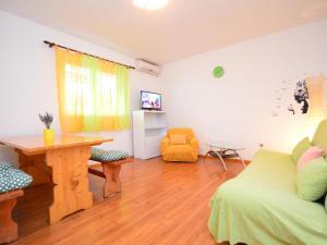 Apartment Ivka.1, Apartmány  Tribunj - big - 4