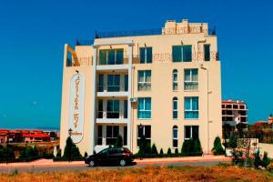 Golden Eye Residence Apartment A7