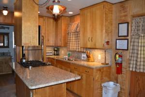 23 Arnett's Cabin, Case vacanze  Wawona - big - 5