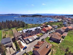 Piso Isla de Arousa, Apartments  Isla de Arosa - big - 1