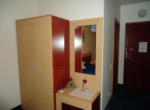Tanagra Hotel, Hotely  Vilnius - big - 42