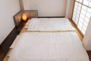4 Bedrooms Cassina in Perfect Location, Ferienwohnungen  Kyoto - big - 1