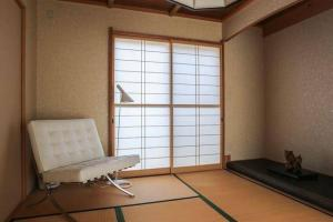 4 Bedrooms Cassina in Perfect Location, Ferienwohnungen  Kyoto - big - 19