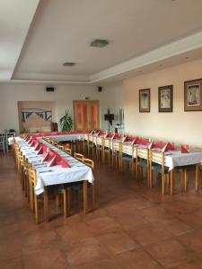 Hotel Pod Stráží, Hotel  Lhenice - big - 93