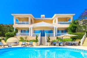 Captain's Villa, Villas  Peyia - big - 2