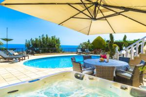 Captain's Villa, Villas  Peyia - big - 6