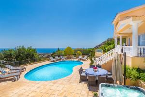 Captain's Villa, Villas  Peyia - big - 12