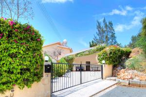 Captain's Villa, Villas  Peyia - big - 14
