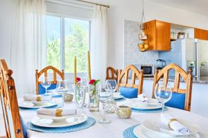 Captain's Villa, Villas  Peyia - big - 21