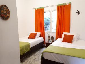 SanTonio Casa Hostal, Guest houses  Cali - big - 11
